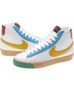 耐克混色女式篮球鞋